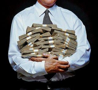 Money-hording-executive3