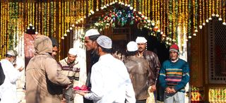 Nizamuddin Sufi shrine
