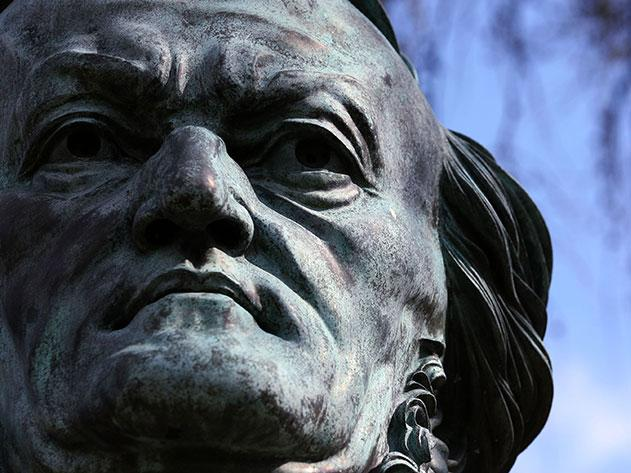 Richard-Wagner-troubled-legacy-statue-631