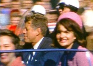 JFK-Jackie-in-Car-Dallas