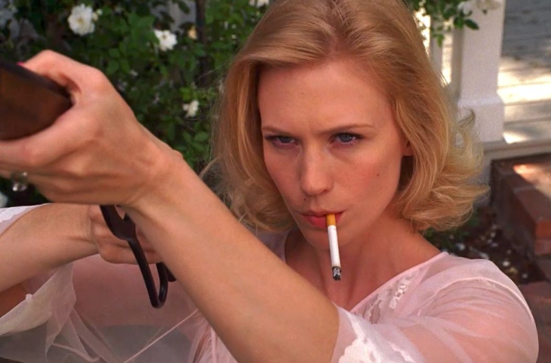 Betty-draper-gun-shoot-january-jones-mad-men