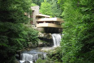 Fallingwater_in_Summer