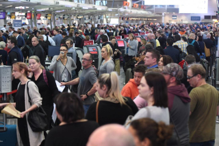 US-Customs-computer-outage-causes-airport-delays