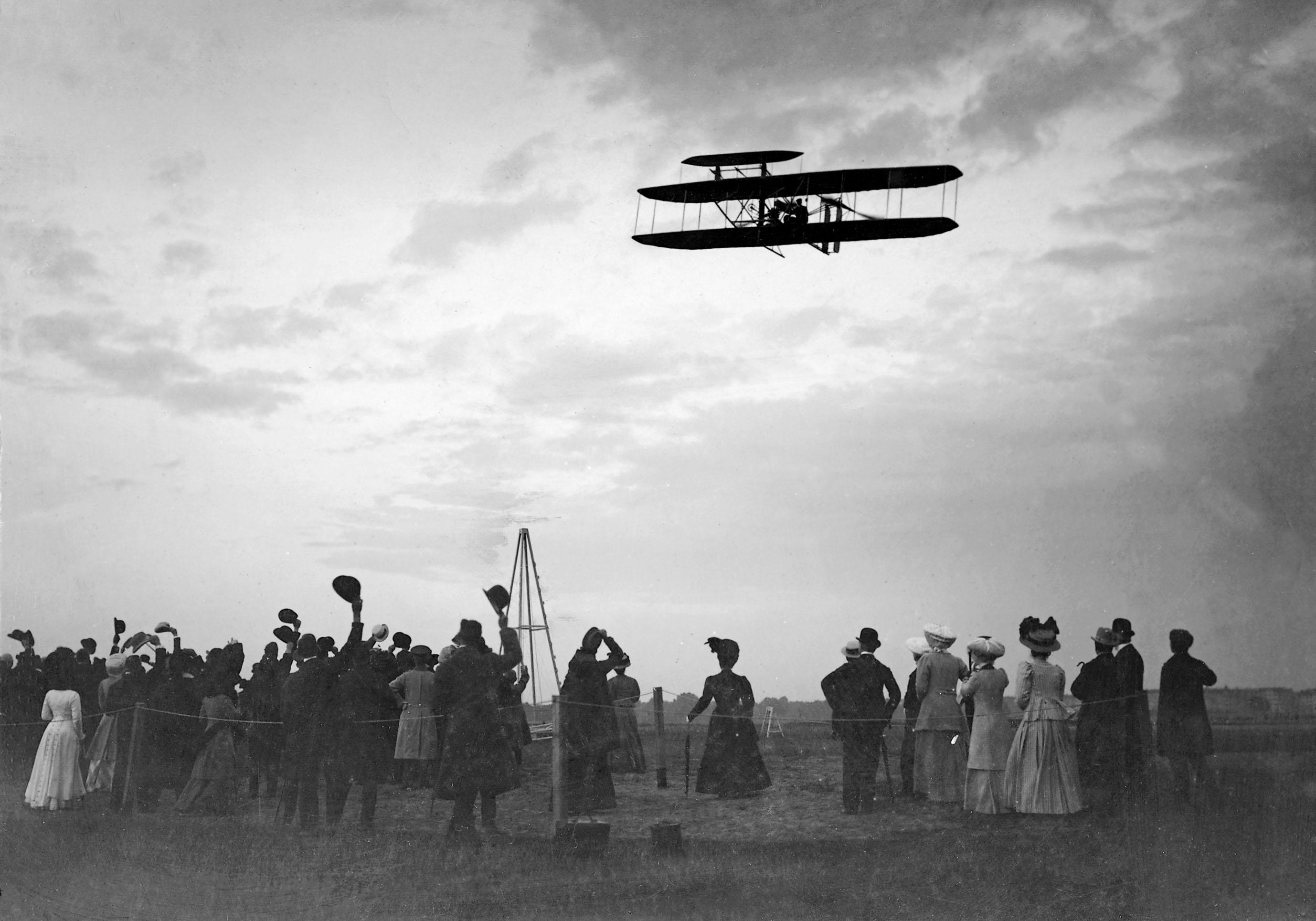e761f4d50734 Alamy Stock Photo, Orville Wright flying in Berlin, 1909.