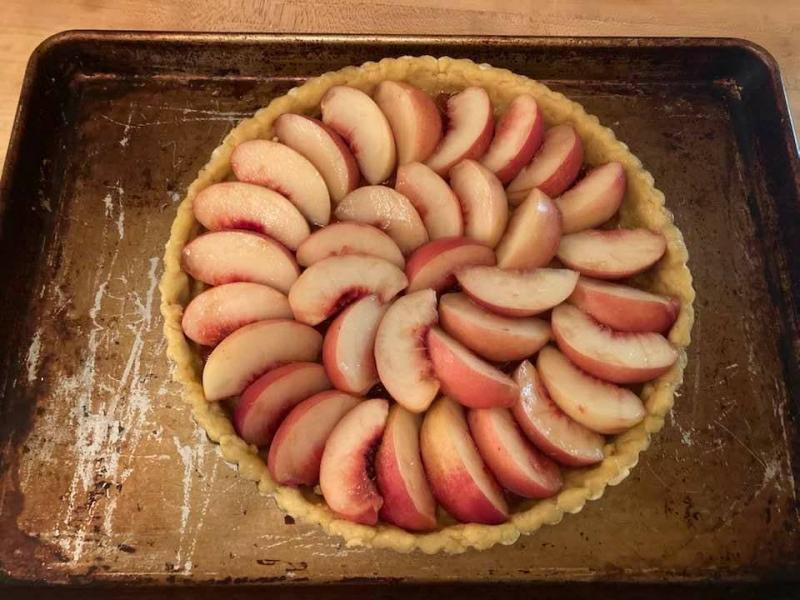 Uncooked white peach tart